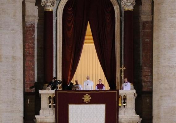 ローマ法王が来年はヤバイって言ってたらしいけどお前らどう思う?教皇「クリスマスなどのお祝いは、今年で最後かもしれない。」