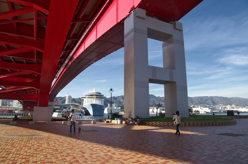 クァンタム・オブ・ザ・シーズ 神戸港 ポーアイ北公園