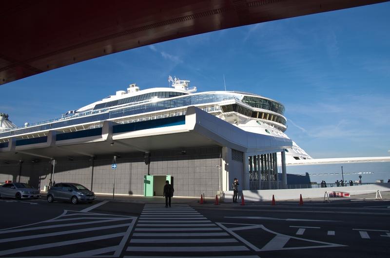 クァンタム・オブ・ザ・シーズ 神戸港 ポートターミナル