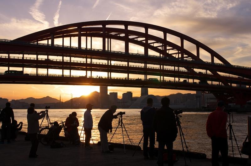 クァンタム・オブ・ザ・シーズ 神戸港 ポーアイ北公園 夕景 神戸大橋