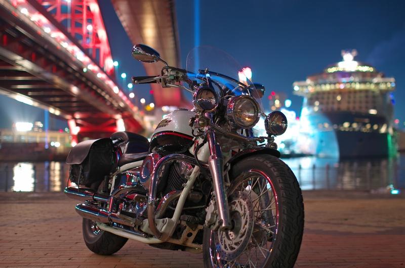 クァンタム・オブ・ザ・シーズ 神戸港 ポーアイ北公園 夜景 バイク