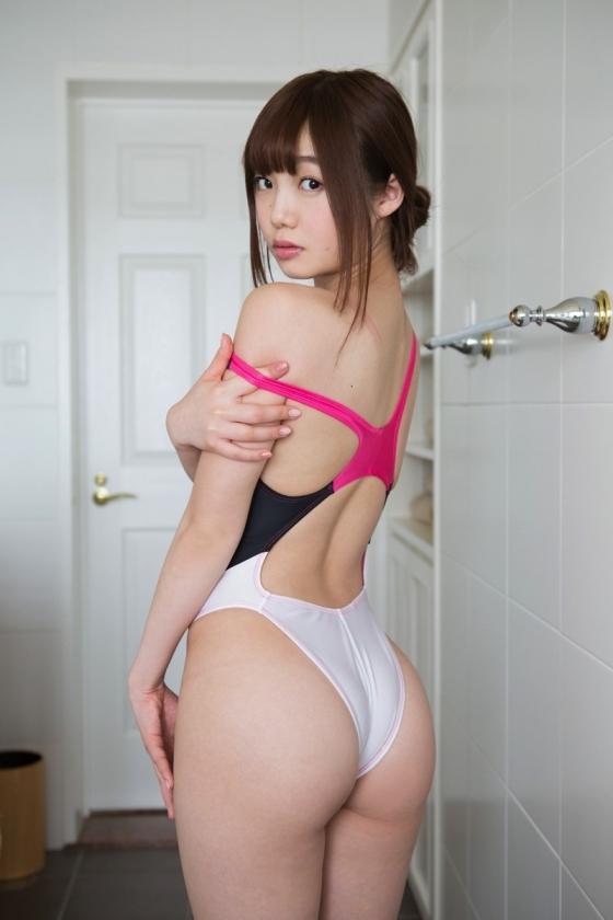 松岡里英 競泳水着や下着をお尻に食い込ませた美尻グラビア 画像19枚 3
