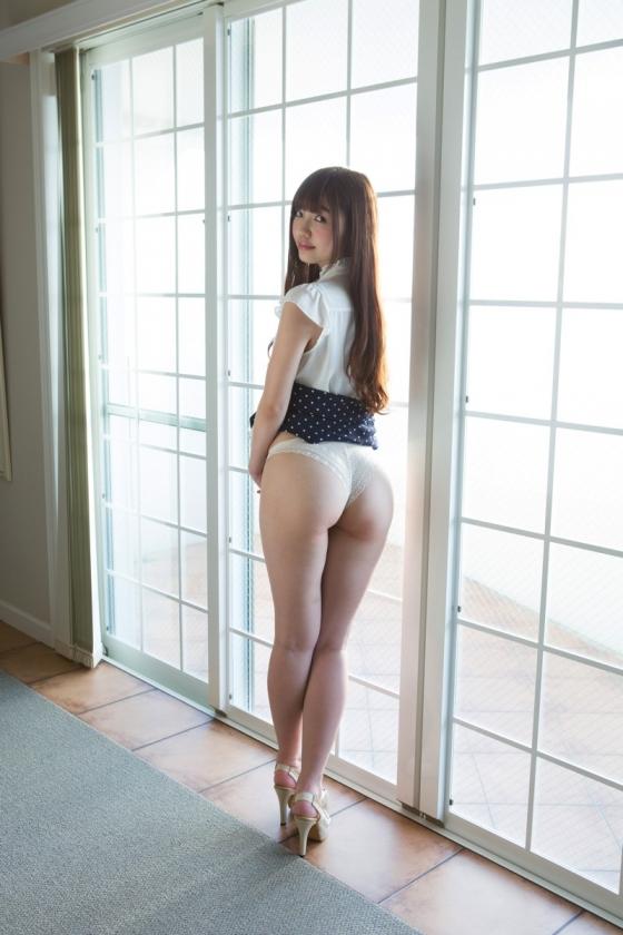 松岡里英 競泳水着や下着をお尻に食い込ませた美尻グラビア 画像19枚 5