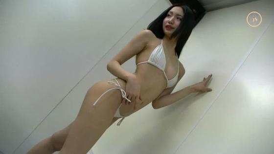 宇佐美りお うたかた販促イベントの陰毛処理跡とTバック尻 画像27枚 23