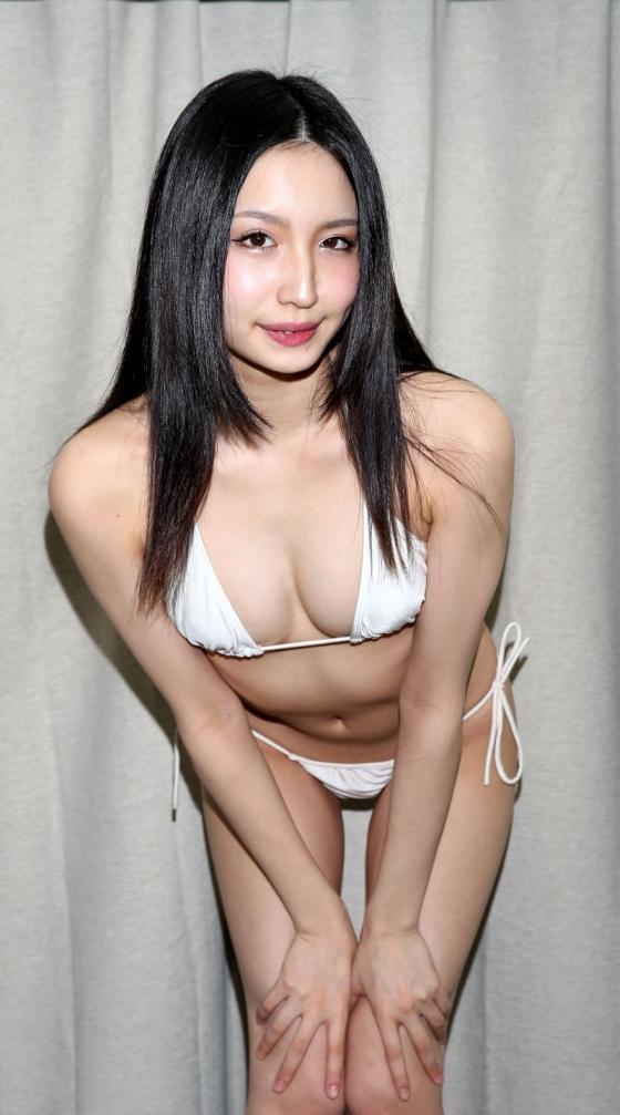 宇佐美りお うたかた販促イベントの陰毛処理跡とTバック尻 画像27枚 3