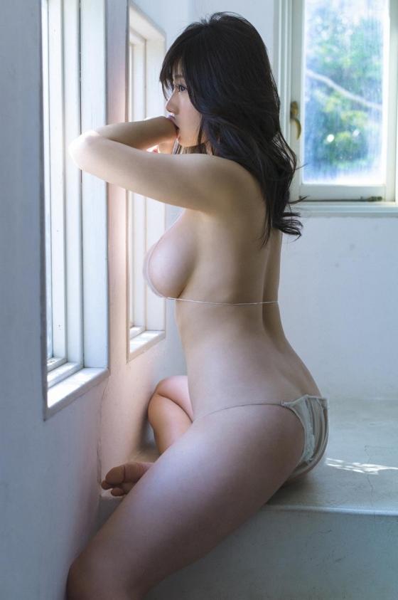 鈴木ふみ奈 写真集奇跡のH。販促イベントのHカップ爆乳 画像28枚 14
