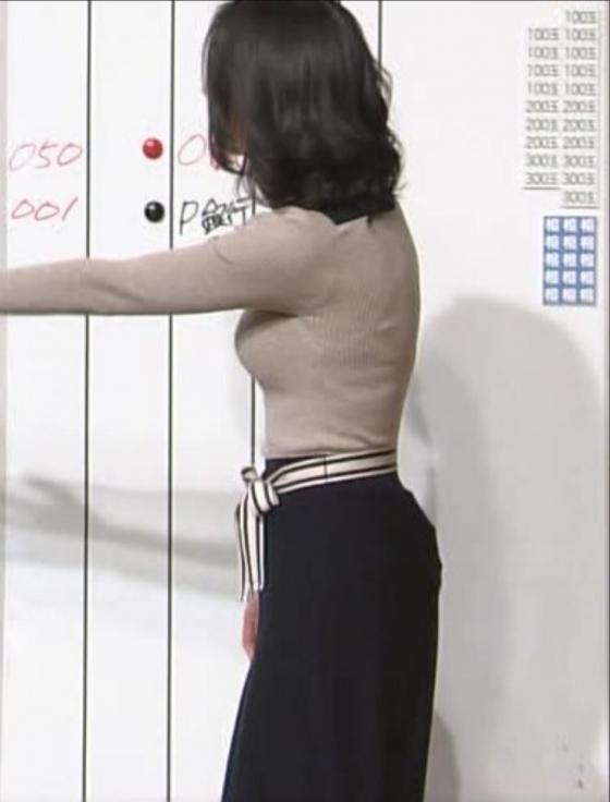 小川彩佳 Dカップ着衣巨乳を披露する報道ステーションキャプ 画像31枚 17