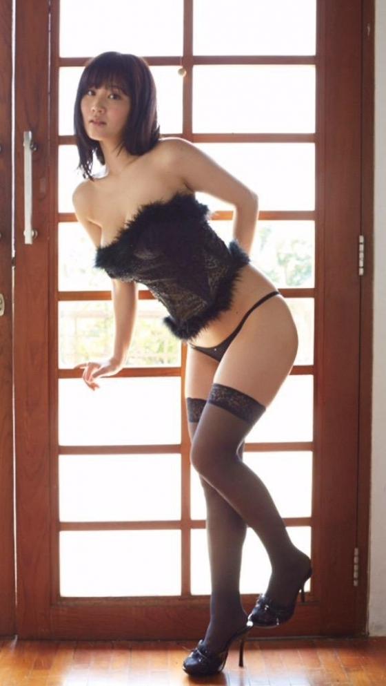 橘花凛 黒猫の凛にゃんのHカップ垂れ乳爆乳谷間キャプ 画像34枚 32