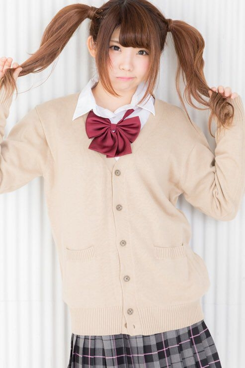 えなこ Eカップ谷間をメンズファッション誌で披露 画像17枚 4