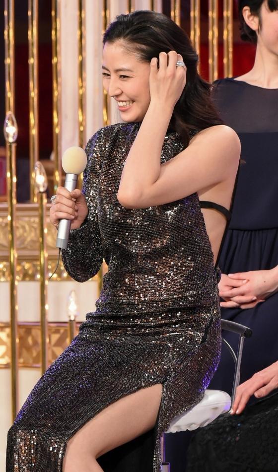 長澤まさみ 日本アカデミー賞の腋と背中全開ドレス姿 画像19枚 4