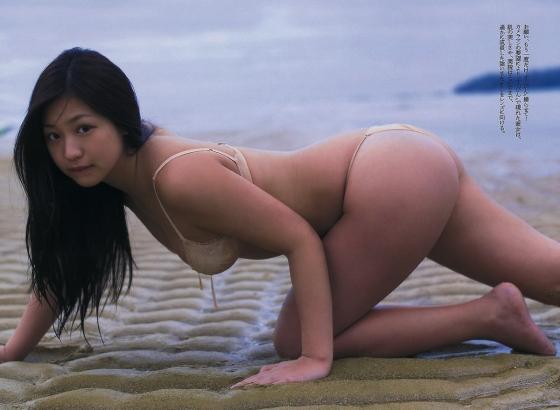 佐山彩香 フライデーのムチムチヌードグラビア 画像29枚 21