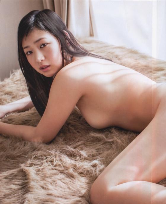 佐山彩香 フライデーのムチムチヌードグラビア 画像29枚 7
