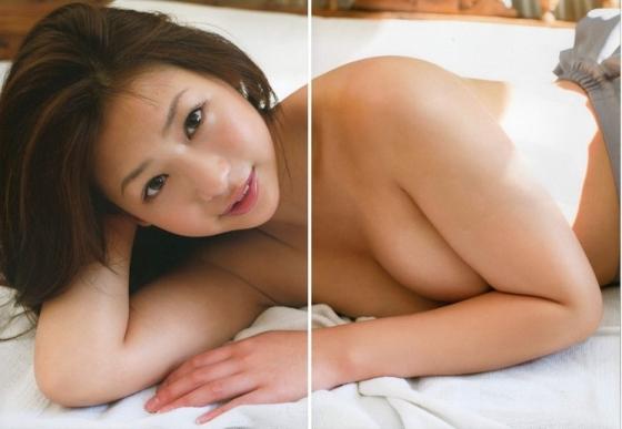 佐山彩香 フライデーのムチムチヌードグラビア 画像29枚 9