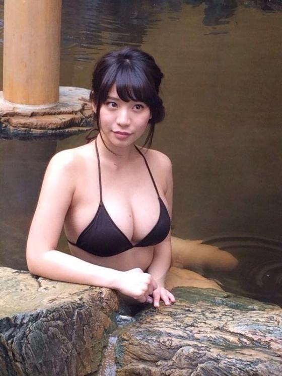 久松かおり Fカップ巨乳の谷間を披露したソフマップイベント 画像27枚 16