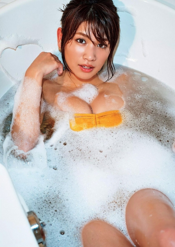 久松郁実 ヤンマガ最新号のFカップ谷間グラビア 画像34枚 24