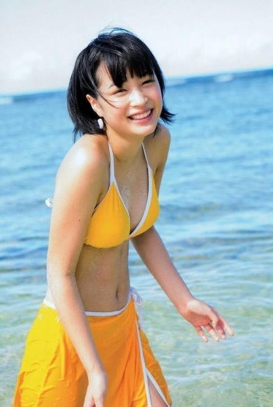 広瀬すず Dカップ水着姿を披露したヤンジャン最新号グラビア 画像30枚 7