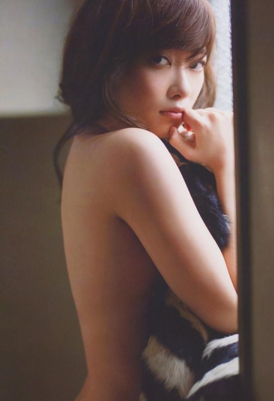 指原莉乃 写真集スキャンダル中毒の手ブラ&セミヌード 画像25枚 11