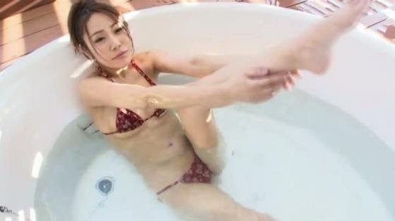 渡瀬茜 スーパー美脚の水着食い込み股間&お尻キャプ 画像37枚 9