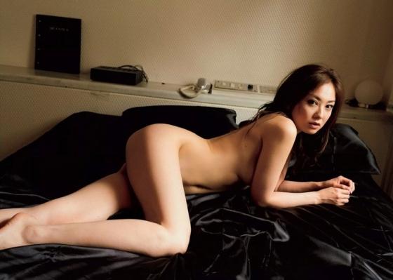 吉田里深 フライデー袋とじの熟女セミヌードグラビア 画像29枚 10