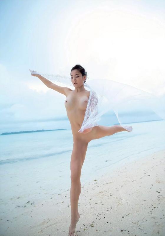和泉里沙 新体操五輪代表選手のパイパン股間MAX開脚ヌード 画像24枚 11