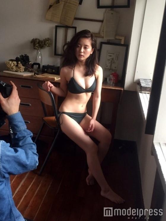生田佳那 美人すぎるタクシードライバーの週プレEカップ水着グラビア 画像26枚 11
