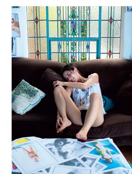 石川恋 スピリッツのDカップ谷間と美尻食い込みグラビア 画像47枚 33