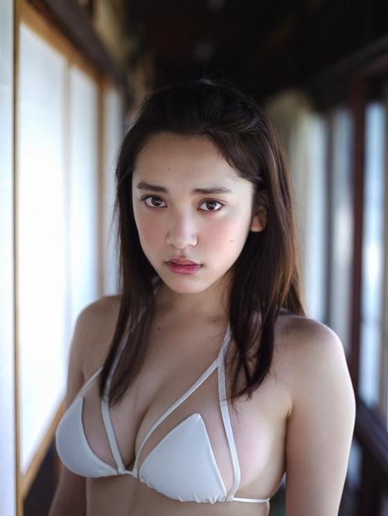 都丸紗也華 週プレの最新Fカップ水着むっちりグラビア 画像31枚 29