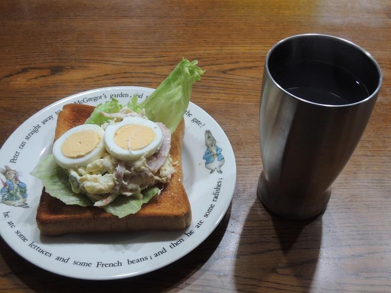 ポテトサラダ サンドイッチ