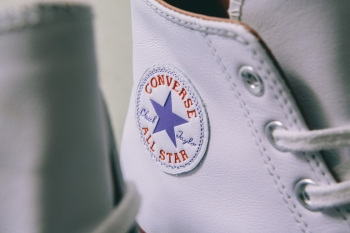 CONVERSE_SS16_FIRST_STIRNG_CHUCK_TAYLOR_1970_S_PREMIUM_LEATHER-13_1024x1024.jpg