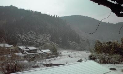 雪の中の四十九日法要