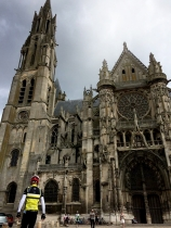 cathdral_senlis2.jpg
