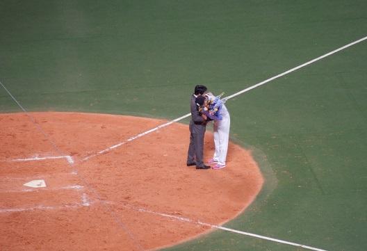 ⑯小山先生と抱擁