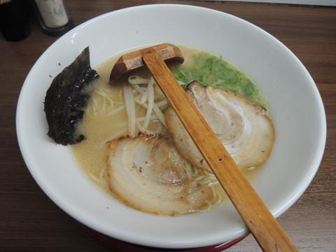 らーめん(650円)