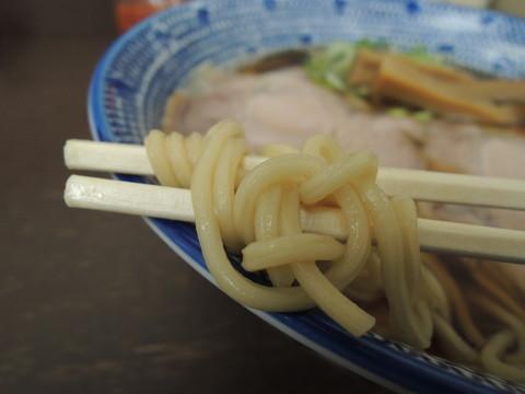 煮干し中華(中)の麺