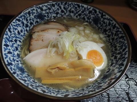なないち塩ラーメン(750円)