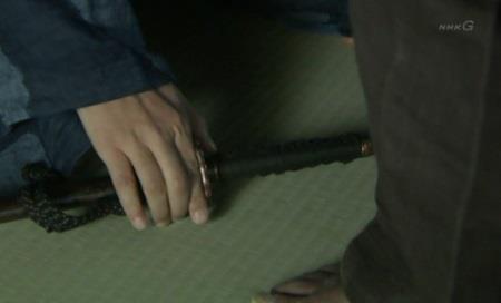 自らは刀を畳に置いて 真田丸