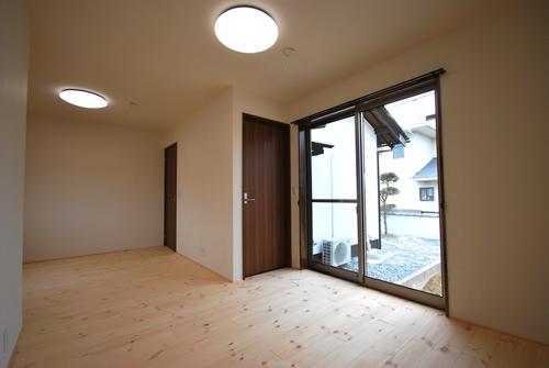 岡山市中区関 洋室2