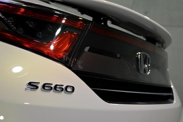 S660白-09