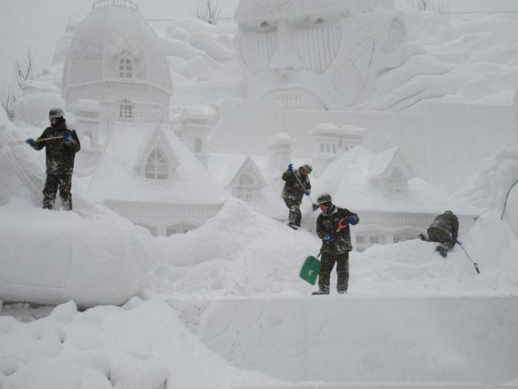 雪まつり会場1160210