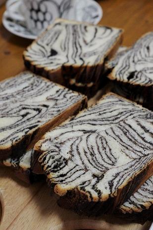 マーブル食パンの断面