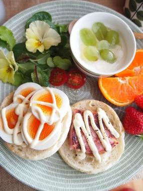 English muffin open sandwich