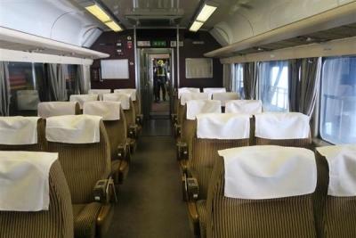 JR全国最後の急行列車「はまなす」のドリームカー。かつてのグリーン車両が使われている=2月22日、札幌市手稲区の札幌運転所(杉浦美香撮影)_-p4