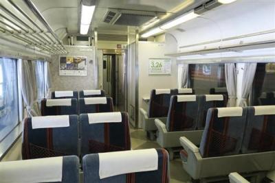 JR全国最後の急行列車「はまなす」の普通車席=2月22日、札幌市手稲区の札幌運転所(杉浦美香撮影)-p16