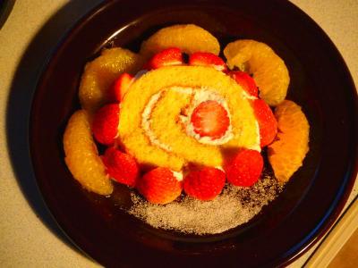 ロールケーキいちごの