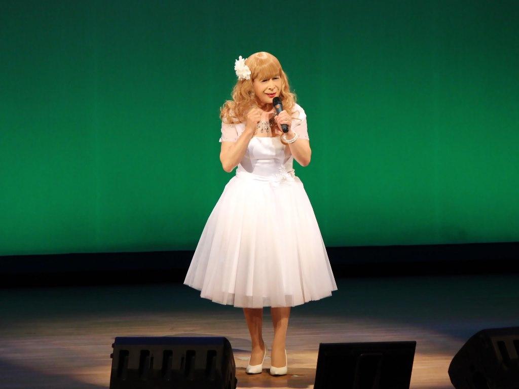 白ショートドレス舞台B(3)