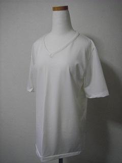 ポリ系の白いTシャツ♪