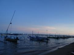 サヌール海岸のレストラン (3)