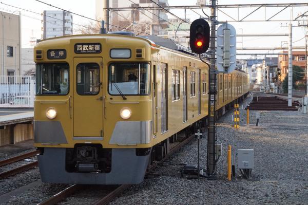 2016-03-22 西武2015F+2407F 各停西武新宿行き1 5836レ