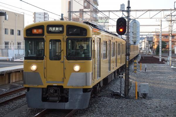 2016-03-22 西武2527F+2045F 急行西武新宿行き1 2674レ