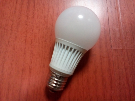 LED電球01
